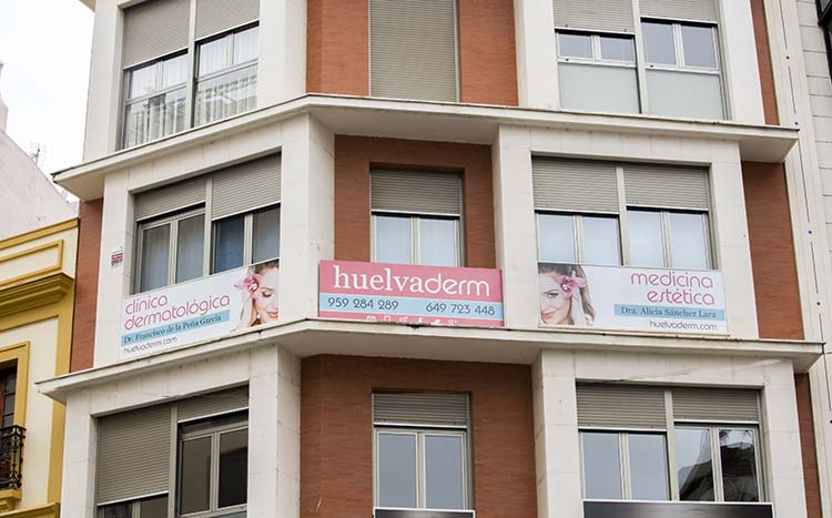 Fachada Huelvaderm Clínica Dermatológica y Medicina Estética en Huelva